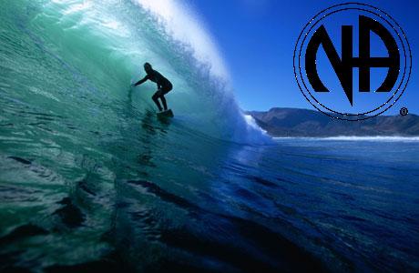سوار بر امواج در اقیانوس وحشت