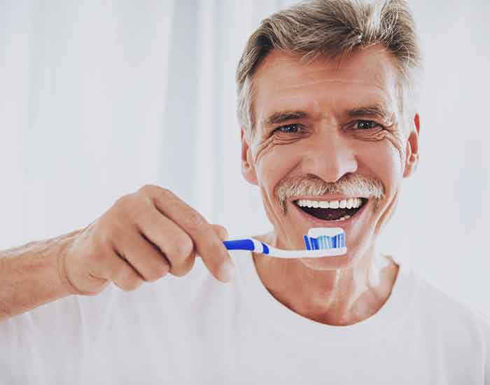 تاثیر اعتیاد بر دندان