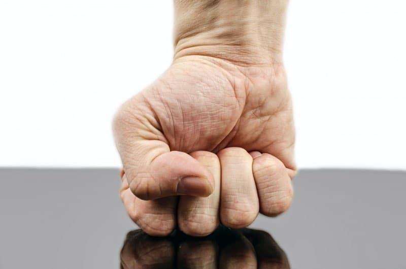 خشم و سرزنش