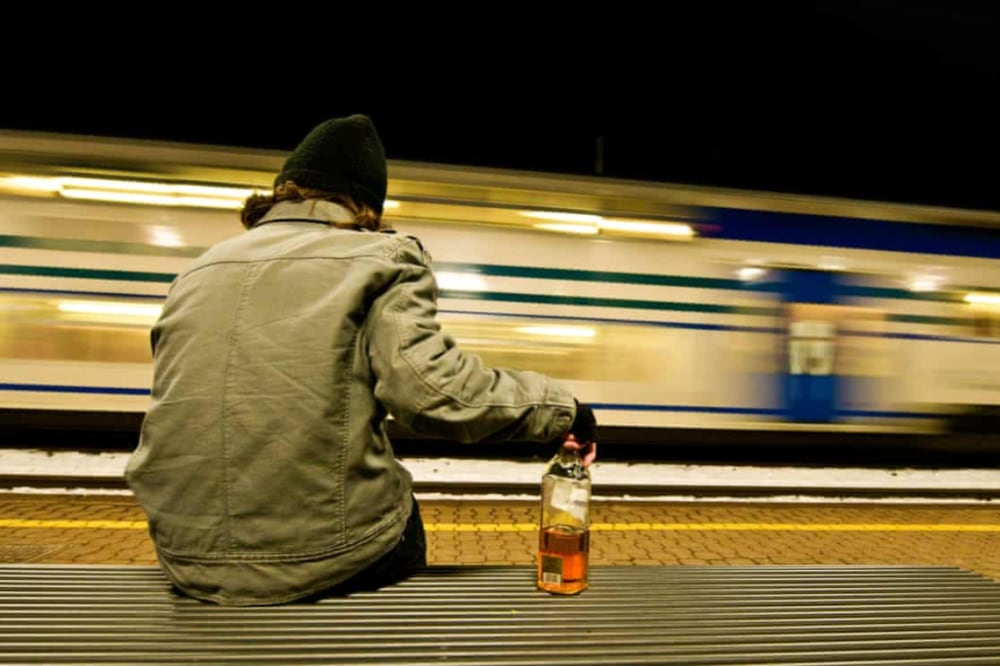 نشانه های اعتیاد به الکل
