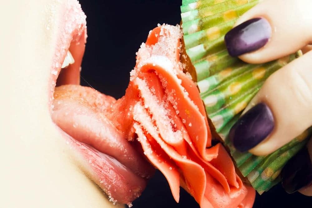 بررسی اعتیاد به قند و غذاهای شیرین